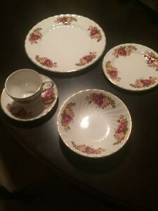 8 Place Setting Wood & Sons Country Rose Pattern