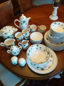 NORITAKE Ivy Lane set de vaisselle complet pour 8