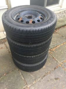 "Set of 4 Winter Tires with 14"" Rims 185/70/14"