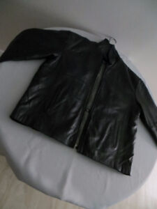 Leather Jacket - Ultralight - Likenew - High Quality