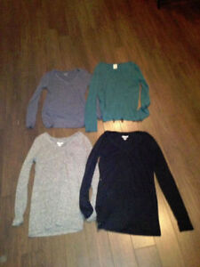 3 OLD NAVY AND 1 VICTORIA SECRET LOVE PINK LONG SLEEVE TOPS