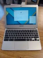 * Samsung Chromebook light and portable