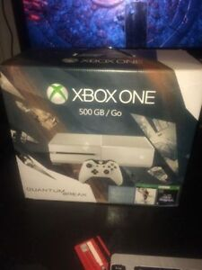 xbox one 500gb  . brand new + game