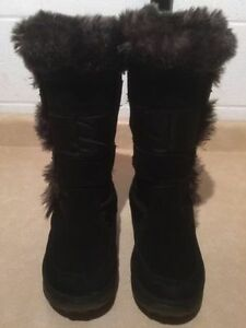 Women's Cougar Insulated Winter Boots Size 4 London Ontario image 3