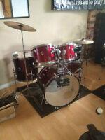 drum batterie BLANC /rouge/ noir 3 cymbales inclut PROF de drum