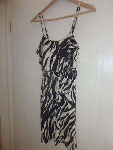 Women's summer dresses and tops size S (some XS) Kitchener / Waterloo Kitchener Area image 7