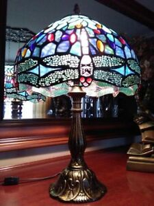 Tiffany Dragonfly Leaded Glass Lamp Beautiful!