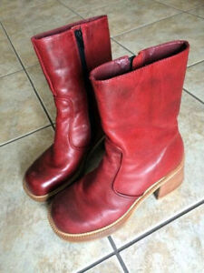 Vintage Rouge leather fall boots $ 15