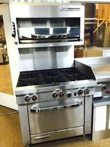 COMMERCIAL INDUSTRIAL GAS PROPANE SOUTHBEND RESTAURANT RANGE WITH OVEN AND GRIDDLE, 6 BURNER STOVE, 4 BURNER, 2 BURNER