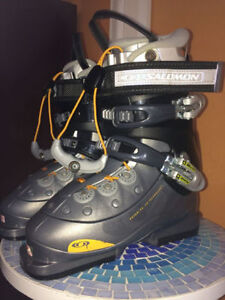 Bottes de Ski Salomon Women taille 5 1 ∕2 très propre.