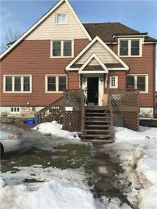 ***STUDENT RENTAL***CLOSE TO FROST CAMPUS**LINDSAY**