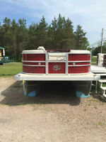 2015 Montego Bay Deluxe Red 18' Pontoon Cruise