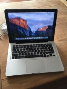 Looking to buy a MacBook Air/Pro for school
