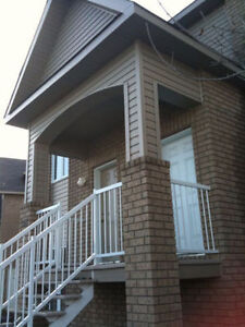 Apartment on the Plateau steps from Gatineau Park