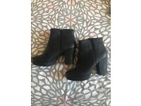 New Look Heeled Women's Boots. Black. Size 7.