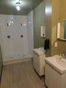 SHARED ROOM FOR RENT $275 INCLUSIVE IN STUDENT LODGING Windsor Region Ontario image 1