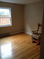 $670 / 2br - 4 1/2 apt à louer/ for rent