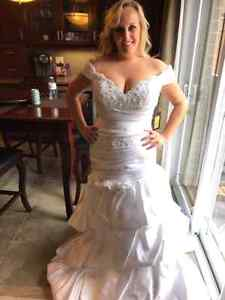 Brand new size 12 and 14 wedding gowns  Kitchener / Waterloo Kitchener Area image 2
