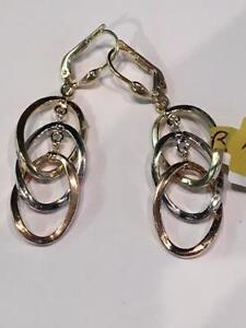#1047 14K Triple Hoop earrings!**