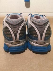Women's Saucony Triumph 7 Running Shoes Size 7 London Ontario image 6