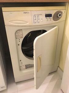 """Samsung 24"""" Compact Dryer - Sécheuse compacte"""