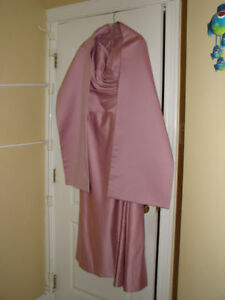 Beautiful dress - Perfect condition! - worned only once!