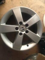 OEM honda civic rim from 2010 in mint condition no curb or mark