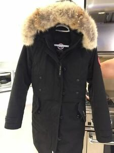 Looking to trade Canada Goose Kensington jacket medium for s-xs