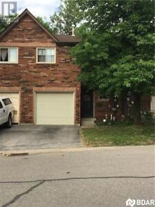 6 SHADOWOOD Road Barrie, Ontario