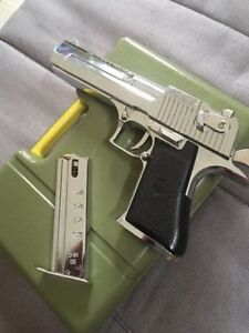 Collectable model ( IMI Desert Eagle) Kitchener / Waterloo Kitchener Area image 1