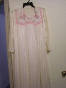 Ladies Quint LingerieTeddie Matching Robe Dressing Gown Set London Ontario image 2