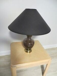 tres belle lampe de chevet/table