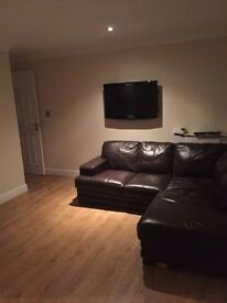 Studio flat to rent, quiet area,private parking, Secure entrance, Recent refurb £325 Pcm