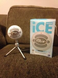 blue snowball ice microphone