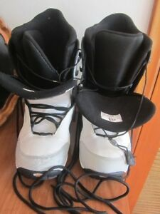 Male size 11 Morrow Snowboard Boots MINT condition