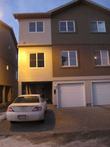 3 Bedroom Townhouse in Leduc West Haven for Rent!!