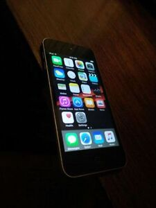 iPod touch 5th gen 16 gb 9/10