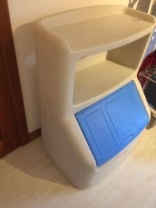 Step 2 toy box/book shelve