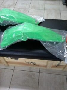 UFO Florescent Green Rear Fender 06-08 KX250F/450F, NEW IN BOX!