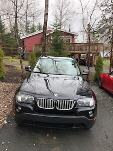 BMW X3 SUV, MVI,Moon Roof,..Fully Loaded,Black on tan leather