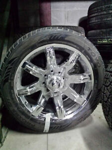 305 45 22 summer tire x 4 (TOYO) WITH MAG