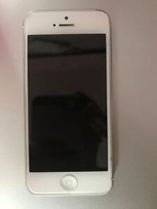 iPhone 5 White 16gb UNLOCKED London Ontario image 3