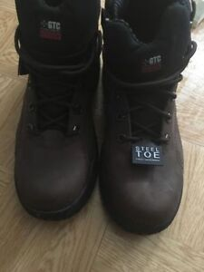 steel toe safety boot size 13 brand new