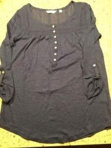 NEW Reitman women's 3/4 sleeve top. Size small.