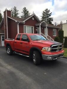 DODGE RAM 1500 4X4 2010 AUTOMATIQUE AU PLANCHER