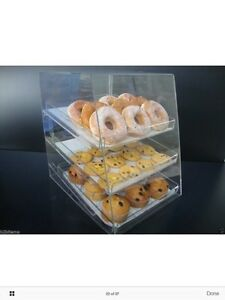 LOOKING FOR countertop bakery display case