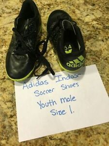 Adidas Youth Size 1 Indoor Soccer Shoes - worn once