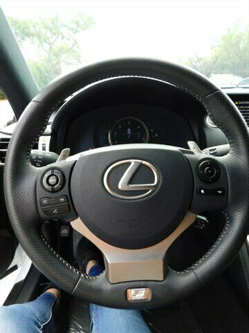 Image 11 Voiture Asiatique d'occasion Lexus IS 2015