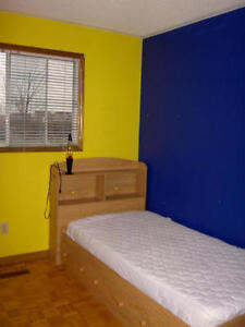 For Rent Bedroom Upstairs for Students Only