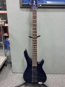 Staff Bass for sale. We sell used guitars and amps. 110999